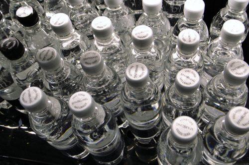 Sparkling-bottled-water